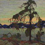 In the foreground, a scraggy evergreen rises up in silhouette, slightly to the right of centre. In the receding grounds, a lake and mountains executed in broad, flat brushstrokes appear in twilight. The vast sky is tinted in shades of blue, orange and green.